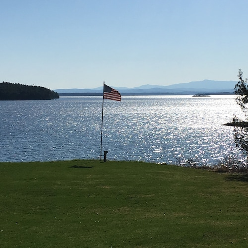 Lakeside Retreat in Adirondack Valley! Summer on the Lake; Winter on the Slopes!