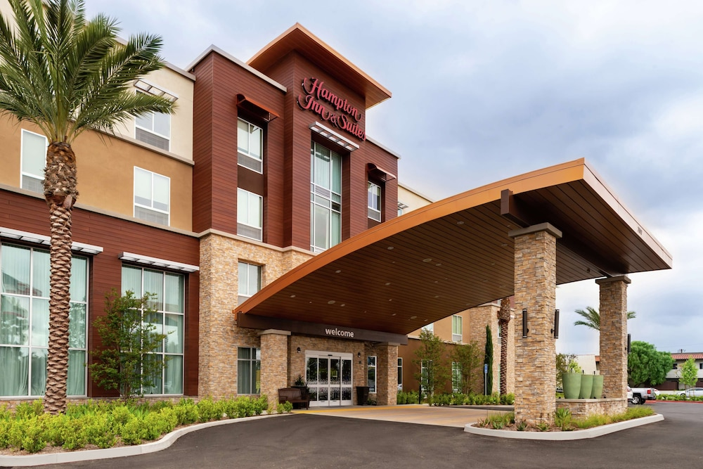 Front of Property - Evening/Night, Hampton Inn & Suites Buena Park