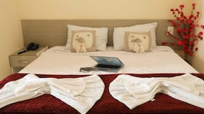 Frigobar, ferros/tábuas de passar roupa, Wi-Fi de cortesia