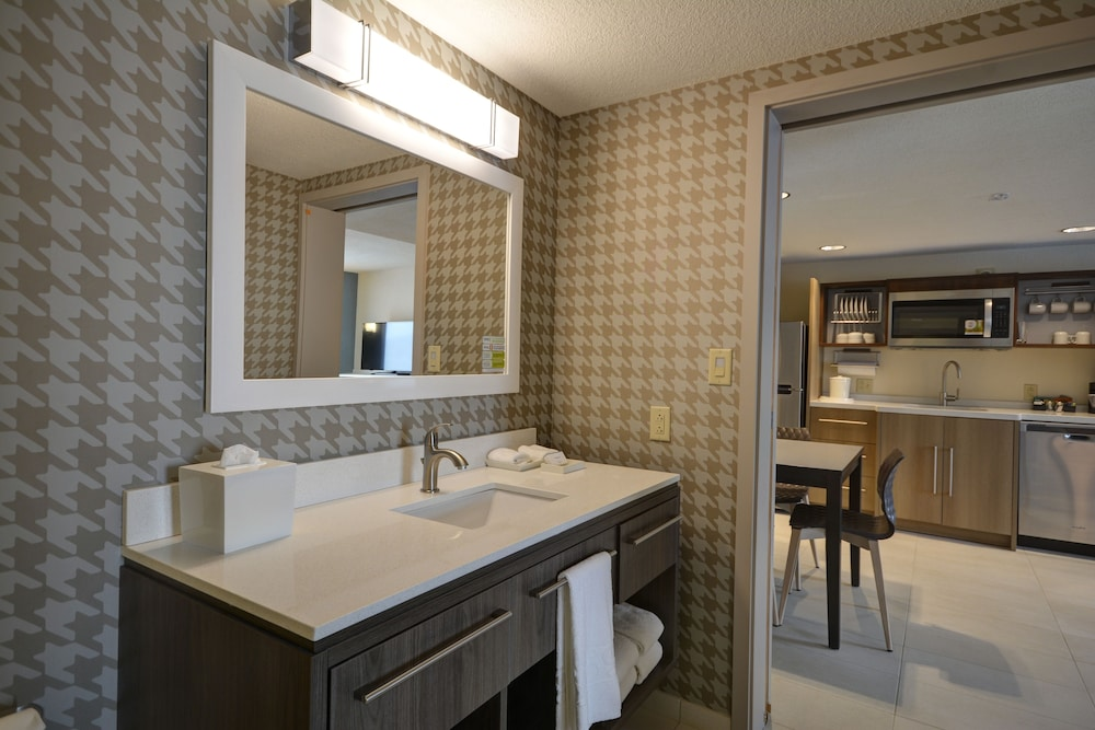 Bathroom, Home2 Suites by Hilton Portland Airport