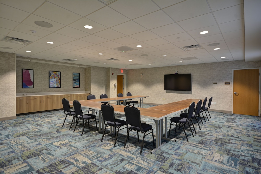 Meeting Facility, Home2 Suites by Hilton Portland Airport