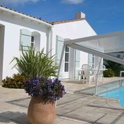 8 Persons Villa With Pool Located in a Dead 5 Minutes From the Beach