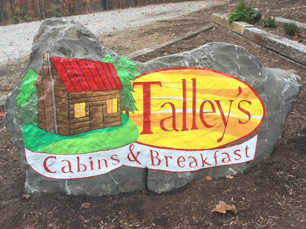 , Talley's Cabins And Breakfast By Dale Hollow Lake.. Right Where You Want To Be!