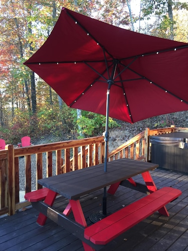 Terrace/Patio, Talley's Cabins And Breakfast By Dale Hollow Lake.. Right Where You Want To Be!