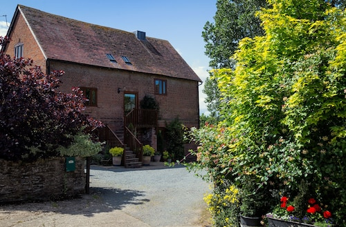Mintridge - The Chaff House - Luxury Converted Barn in Heart of Herefordshire