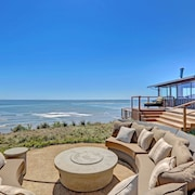 Spectacular Oceanfront With Unparalleled and Panoramic Views of Crashing Waves