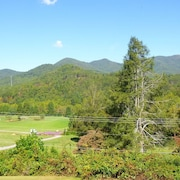 Enjoy, Beautiful, up Close & Personal Mountain Views ,1 Mile From Lake Chatuge