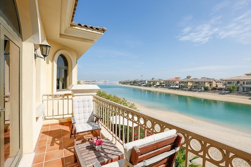 Beautiful Villa With Sea View on the Palm Jumeirah