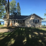 Lakefront Cottage On All-sports Green Lake-interlochen-traverse City/sleeps 7