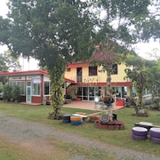 Suwanalak Resort