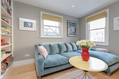 Vauxhall Oasis - 3 Bed House by BaseToGo