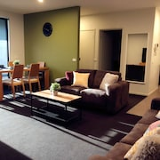 Port Melbourne Beach Front Apartment