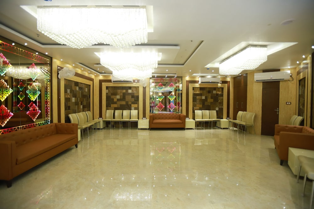 Banquet Hall, Hotel Acme