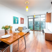 Bright Greenwich Apartment by the O2 Arena