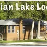 Indian Lake Lodge : Handicap Accessible-access to Indian Lake! Sleeps 8