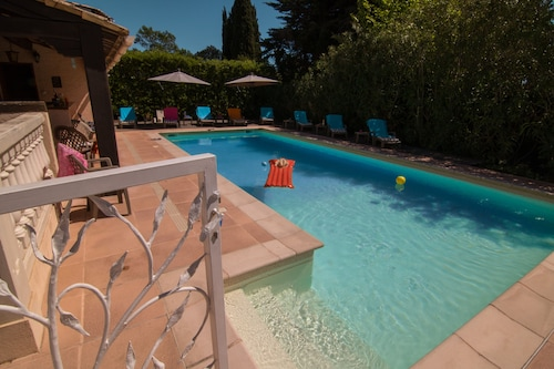 Luxurious Villa - Private Pool, Close to Cannes - 5 Bed, Sleeps 10, A/C