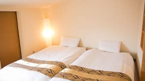 Premium bedding, down comforters, desk, free WiFi