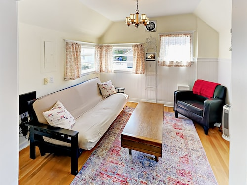 Great Place to stay 315 W Crockett St Home 3 Bedrooms 2 Bathrooms Home near Seattle