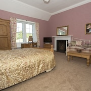 Broadmeadows Farmhouse B&B