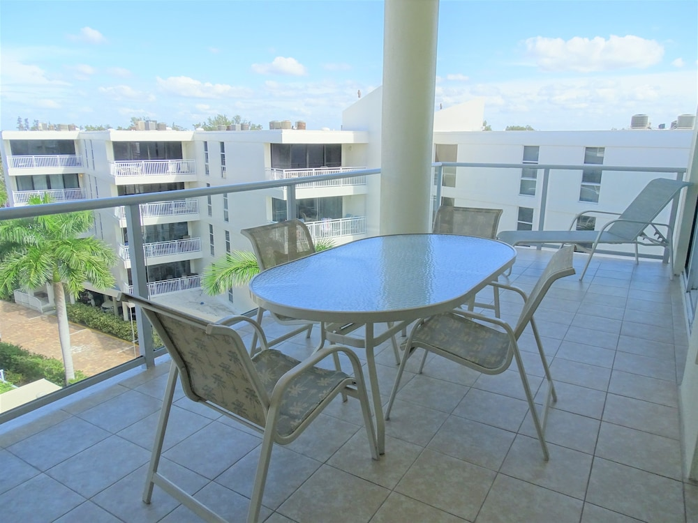 Balcony, Crescent Siesta Key - 503 West-luxury On The Beach! 3 Bedroom Apts