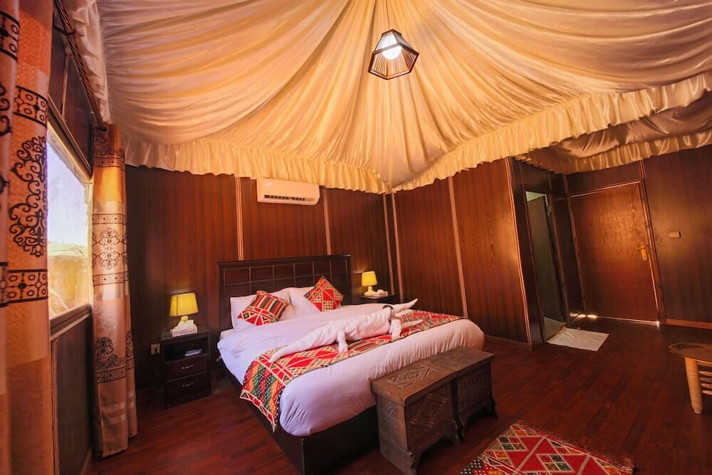 Room, Mazayen Rum Camp