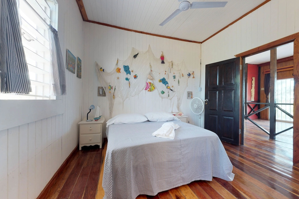 Charming ... Comfort House, 5 Bedrooms, Non Smoking   Guestroom ...