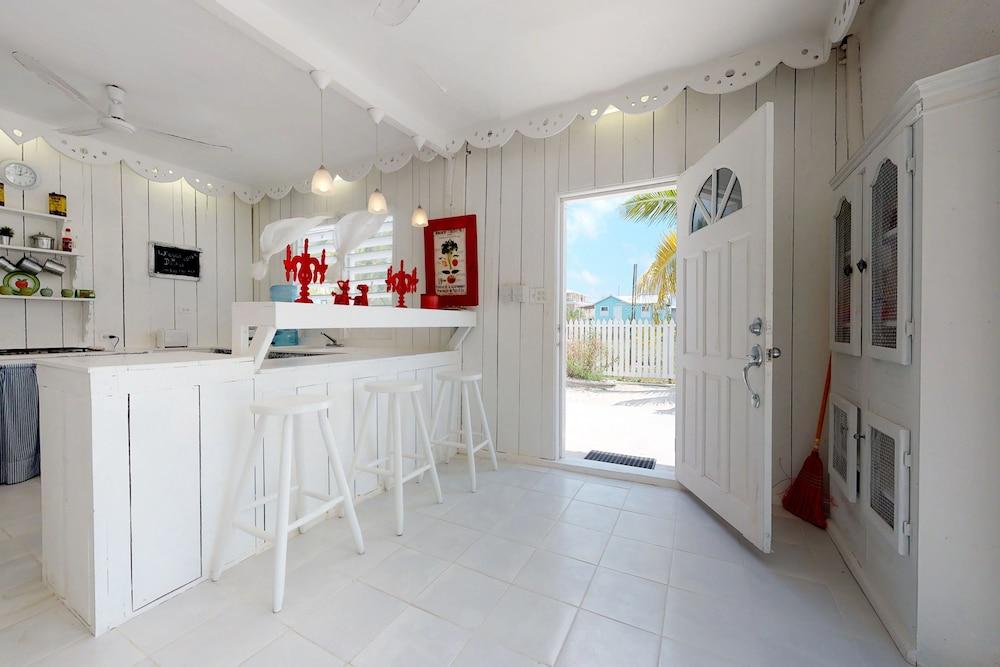 Street View Comfort Studio, 1 Bedroom, Non Smoking   Featured Image ...