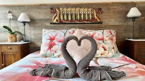 1 Schlafzimmer, hochwertige Bettwaren, Betten mit Memory-Foam-Matratzen