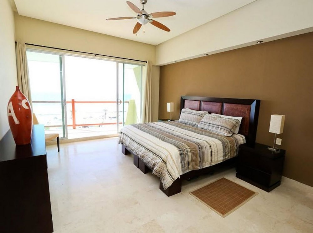 Room, Encanto Living 0504 -2BR by Kivoya