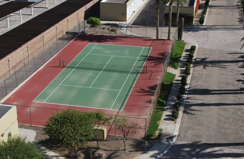 Tennis Court, Encanto Living 0504 -2BR by Kivoya