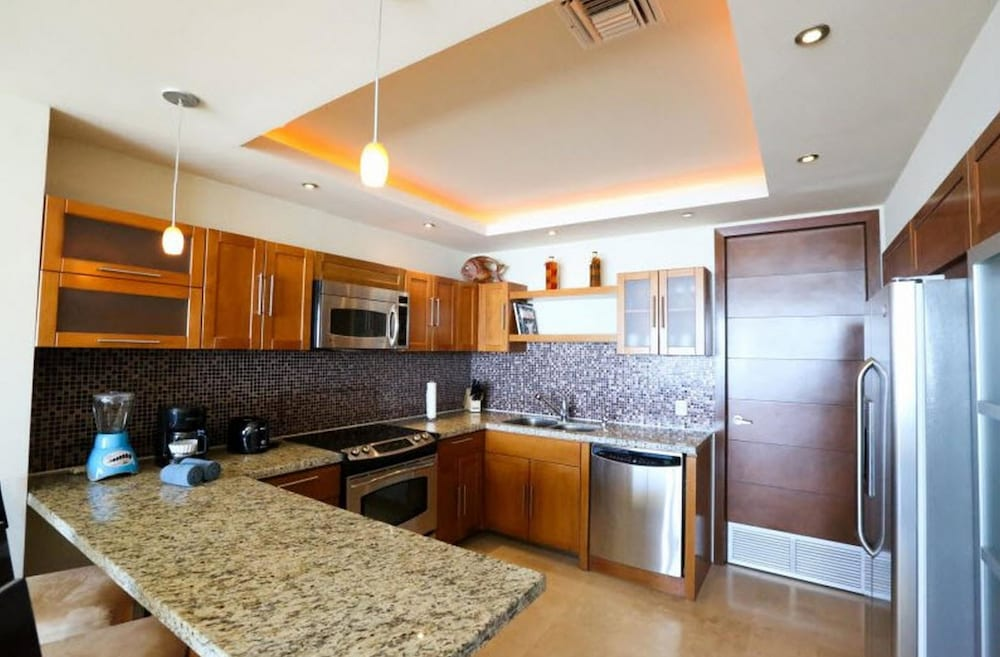 Private Kitchen, Encanto Living 0504 -2BR by Kivoya