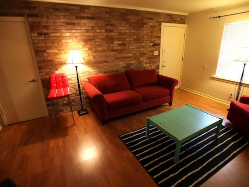Great Place to stay Walkable 2 Bedroom Apartment near Austin