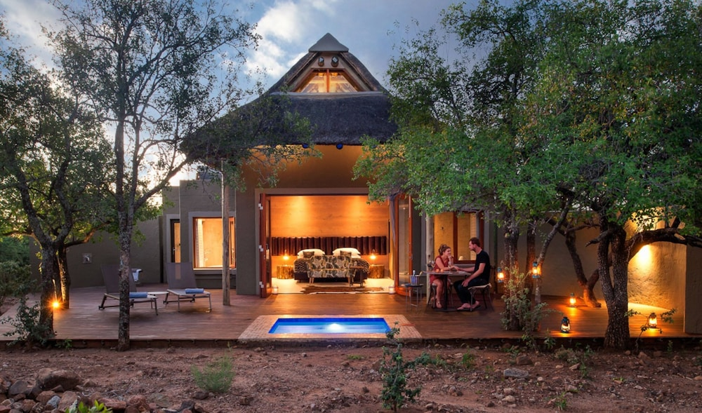 Featured Image, Lush Private Lodge