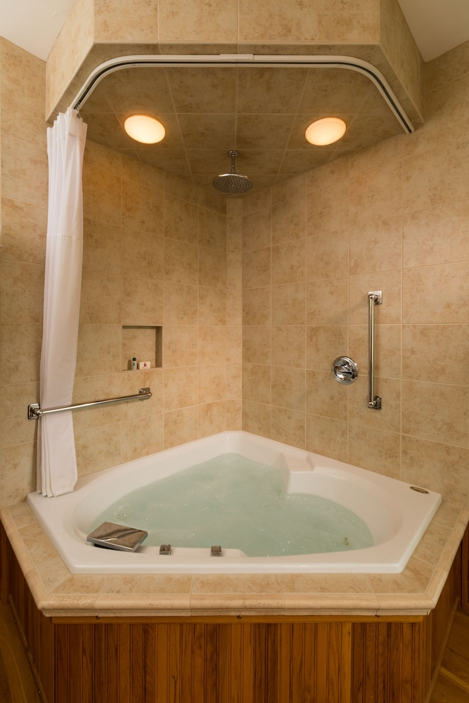 Jetted Tub, Habberstad House Bed and Breakfast