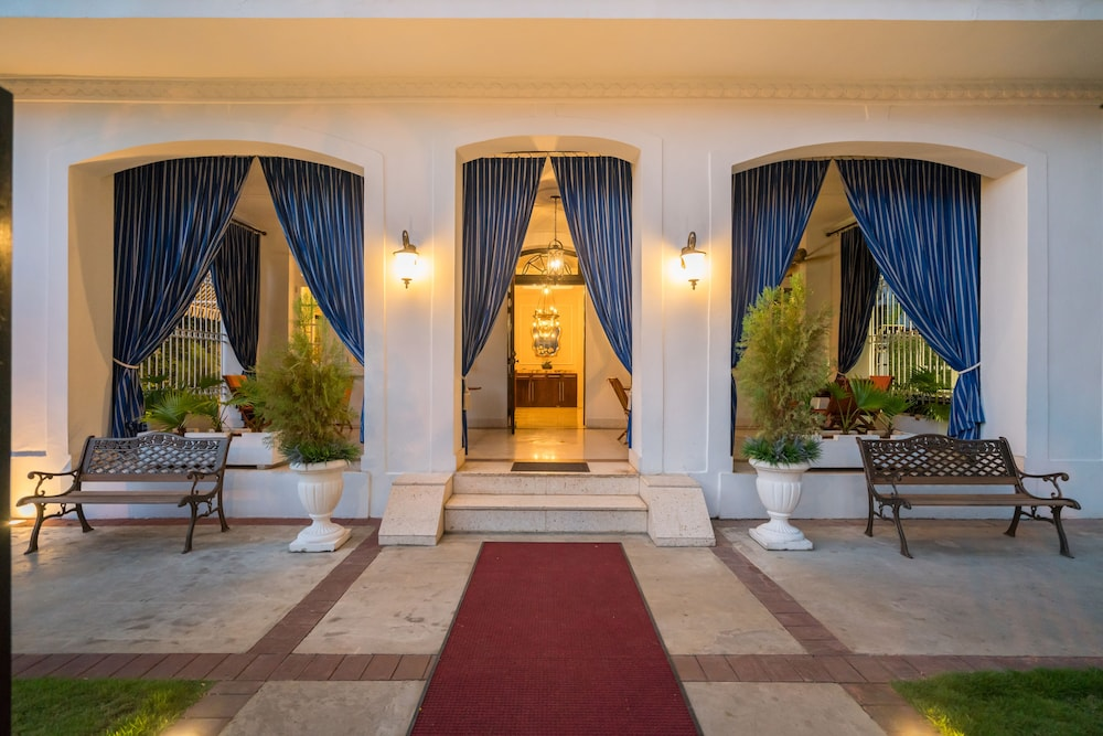 Front of Property - Evening/Night, El Candil Boutique Hotel