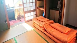 Free minibar, individually decorated, individually furnished, desk