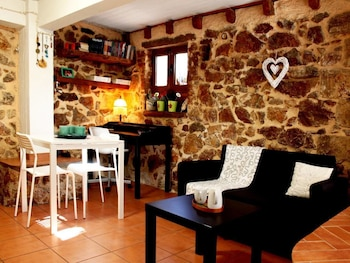 Sweet stone apartment in Imittos