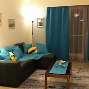 Funky Apt in Central Athens • 5' from Metro!