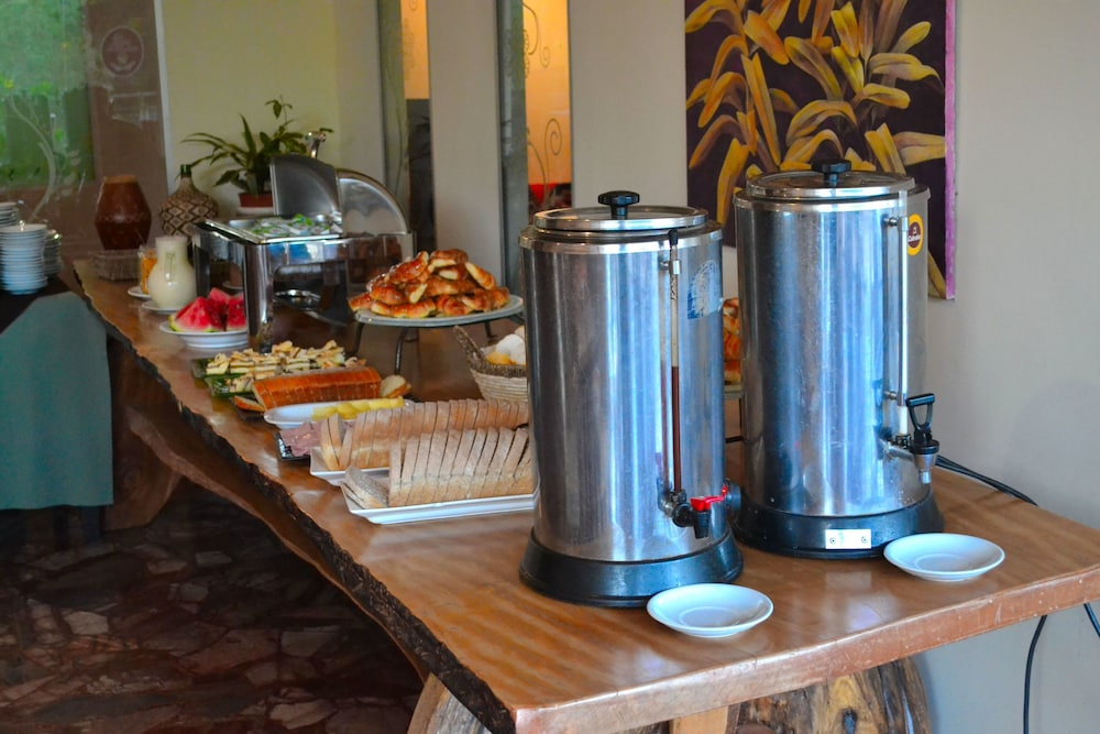 Breakfast buffet, Continental Posadas Hotel