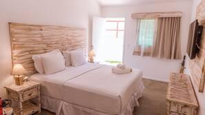 Premium bedding, minibar, individually furnished, laptop workspace