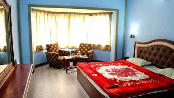 1 bedroom, premium bedding, desk, free wired Internet
