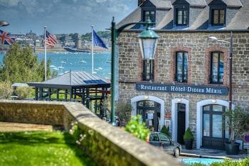 1 place du Général de Gaulle, Dinard, 35800, Brittany, France.
