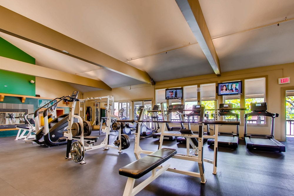 Gym, Pico Village Resort