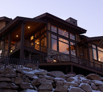 Whitetail Lodge - Five Bedroom Home
