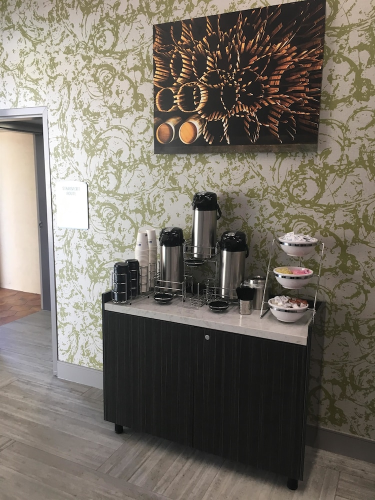 Coffee Service, Best Western Plus Temecula Wine Country Hotel &Suites
