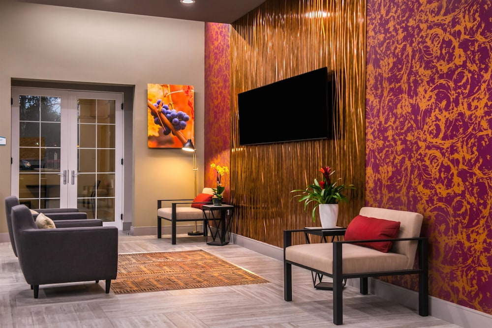 Lobby Sitting Area, Best Western Plus Temecula Wine Country Hotel &Suites