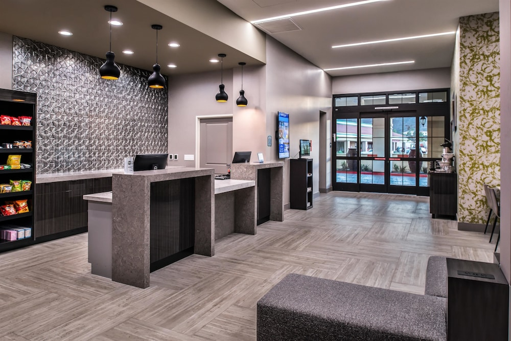 Property Entrance, Best Western Plus Temecula Wine Country Hotel &Suites