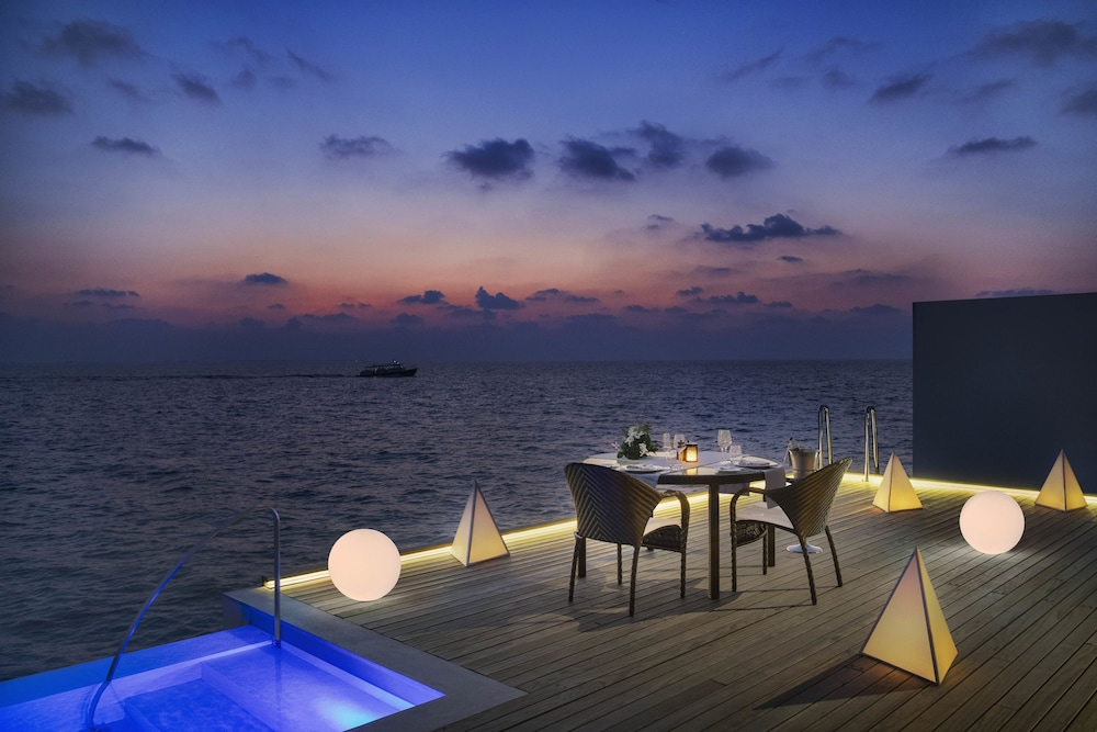 Outdoor Dining, The Westin Maldives Miriandhoo Resort