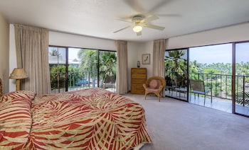 Kahaluu Bay Villas 201 - Two Bedroom Condo