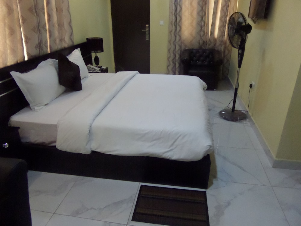 Room, Providence Hotel and Suites